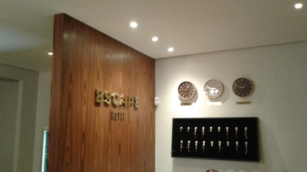 Review Escape Hotel